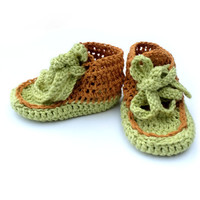 Baby booties Baby sneakers Crochet baby shoes Crochet baby socks Baby boy shoes Baby girl shoes Light green Light brown