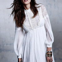 White Long Sleeve Embroidered Bead Lace Dress - Sheinside.com