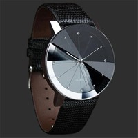 NEW Luxury Men's Quartz Watch With Stainless Steel Dial And Leather Wrist Band