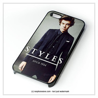 Harry Style Sine 1994 One Direction iPhone 4 4S 5 5S 5C 6 6 Plus , iPod 4 5  , Samsung Galaxy S3 S4 S5 Note 3 Note 4 , and HTC One X M7 M8 Case