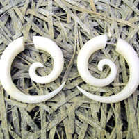 Bone Fake Gauge Bone Earrings White Spiral Tribal Earrings - Gauges Plugs Bone Horn - FG009 B ALL