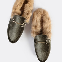 Fur Lined Point Toe Gold Buckle Loafers OLIVE -SheIn(Sheinside)