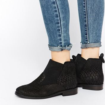 ASOS AT HOME Leather Chelsea Boots