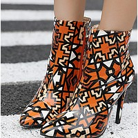 Hot style sells fine and pointed colors  shoes