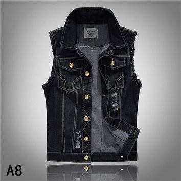 2018 New Fashion Men's Denim Vest Male Vintage Design Sleeveless Jackets Men Hole Jeans Brand Waistcoat Vest Men Plus Size 6XL