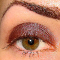 Myth Mineral makeup Eyeshadow Nom de Plume collection (Silvered maroon with red duochrome shimmer) Eye shadow