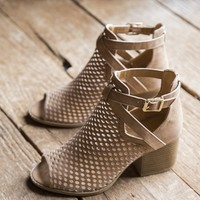 Core Perforated Peep Toe W/Ankle Buckle Shoe, Light Camel