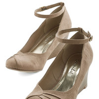 ModCloth Vintage Inspired Step-by-Steppin' Out Heel