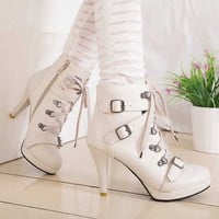 Botines blanco o negro \ Ankle Boots white or black LS078