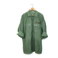 Vintage Army Shirt Distressed Military Shirt w PATCHES Drab Green 80s Army Surplus Grunge Punk Hipster Top 1980s Vintage Men's Medium