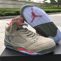 Air Jordan Retro 5 Camo Men Basketball Shoes Camouflage Trophy Room 5s V Grey Red Fashion Training Sneakers With Shoes Box