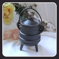 Ribbed Cast Iron Cauldron