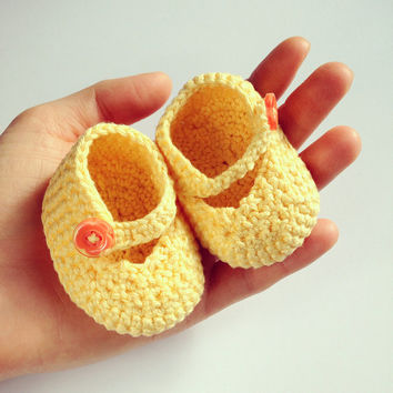 Baby Crocheted Shoes in Yellow