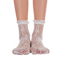 Lace With Ruffle Ankle Socks - White