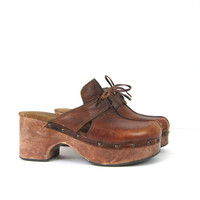 Brown Leather Clogs Wooden heels mules vintage 1990s Boho leather sandals Buckled Bohemian High heel Closed toe Clogs Women's size 8 - 8.5