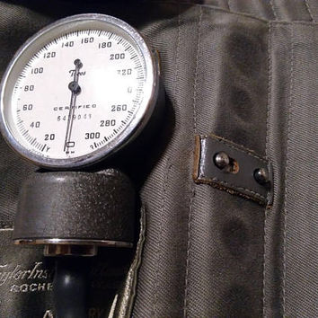 Vintage, Tycos, Sphygmomanometer, Blood Pressure Cuff, Bag, Working, Made in the USA, Medical Instrument, Photo Prop, RhymeswithDaughter