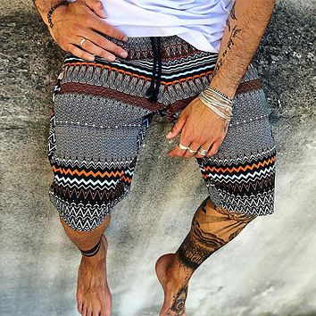 2020 new men's loose casual shorts sports five-point pants beach pants
