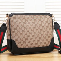 LV Louis Vuitton New simple high quality shoulder bag canvas bag Messenger bag