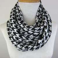 Houndstooth Scarf - Chunky Infinity Scarf - Houndstooth Infinity Scarf