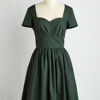 Mid-length Short Sleeves Fit & Flare Charm Convention Dress in Forest
