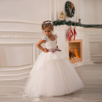 2016 Flower Girl Dresses For Weddings Ball Gown V-neck Cap Sleeve Tulle Appliques Lace Bow First Communion Dresses For Girls