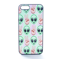 Peace Out Alien Emoji Case