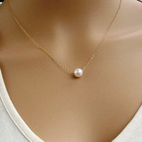 Hot Girls Pearls Cooling Necklace Faux Pearl Pendant Simple Design Necklace For Women