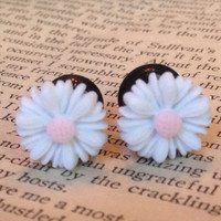 Daisy Flower plug Earrings pick a size 0g 2g 4g 6g 8g by SheMused
