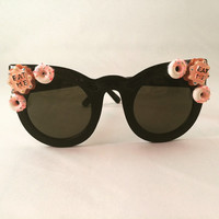 Kawaii Cat Eye Sunglasses Embellished with Cookie & Doughnut Cabochons, Perfect for festivals!