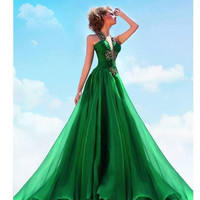2017 Crystal Bead Sequins Halter Green Arabic Long Formal Evening Dresses Backless Sexy Evening Gowns No Sleeve