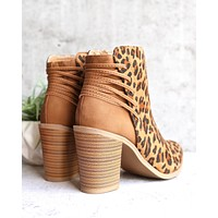 Very Volatile - Lace Women's Boots in Tan/Leopard
