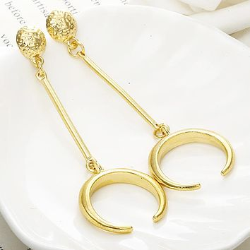 New Golden Color Drop Earrings Delicated Moon Design Dangling Earrings Women's Fashion Ear Jewelry For Party Gift Dropshipping