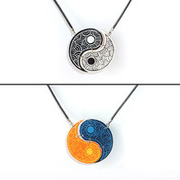 Reversible necklace made in recycled CD : Black / White and Blue / Orange Yin-Yang - by Savousepate