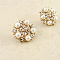 Women Fashion Jewelry Circular Pearl and Rhinestone Post Stud Earrings Casual Urban Style