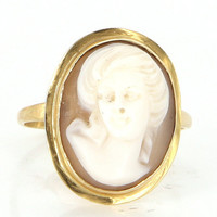 Vintage 18 Karat Yellow Gold Shell Cameo Cocktail Ring Fine Estate Jewelry