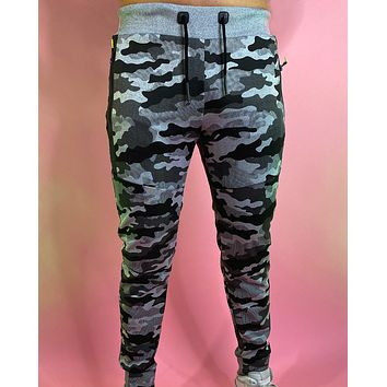 Men's Tapered Camo Joggers
