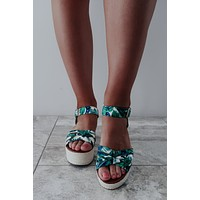 In The Palms Wedges: Multi