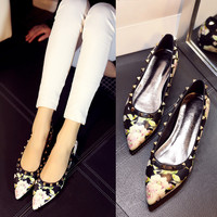 Leather Pointed Toe Floral Height Increase Rivet Low-cut Shoes [4920565060]