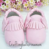 Baby Girl Moccasins, Pink Baby Moccasin Shoes, Toddler Girl Moccasins, Baby Girl Shoes, Crib Shoes, Girl Baby Shower Gift, Baby Shoes