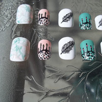 Dream Catcher Nails. Plastic. Feather and swirl design. 20 nails