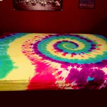 Tie-dyed sheets (king)