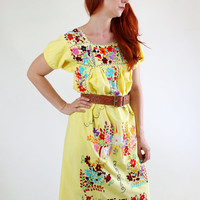 SALE - Vintage 1970s Yellow Floral Embroidered Mexican Oaxacan Dress. Boho Chic. Summer Dress.