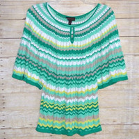 Dana Buchman Size Large Chevron Green Top Dolman Sleeve Keyhole