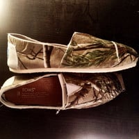 10.11 ONE DAY SALE Real Tree Camo Toms (Women)
