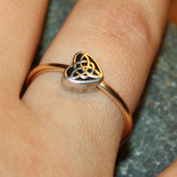 Trinity Knot Heart Ring Bridesmaid Gift - Copper Wire, Sterling Silver Plated Heart, Adjustable Gold Coloured Dainty Wire Ring
