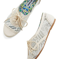 ModCloth Follow My Footsteps Flat in Ivory