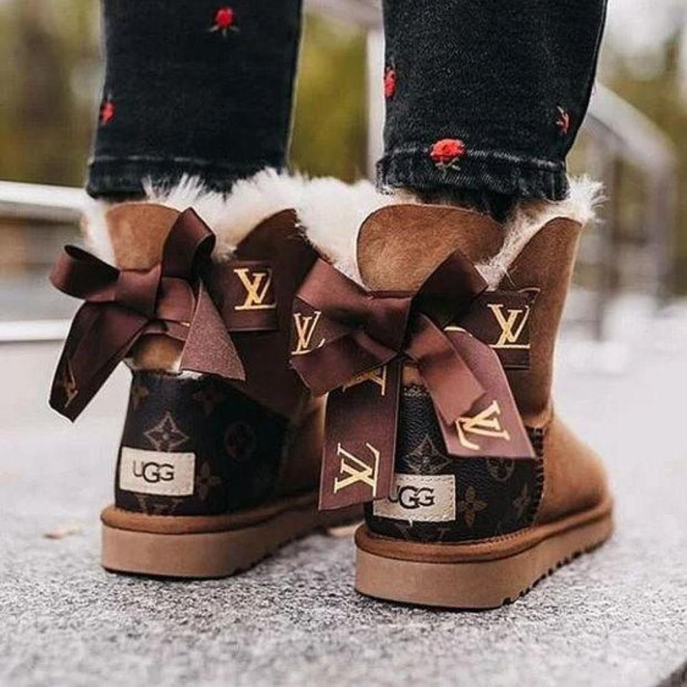 Image of LV Louis Vuitton UGG flip-flops sandals Shoes slippers classic printed alphabet bow mid-cut snow boots Shoes
