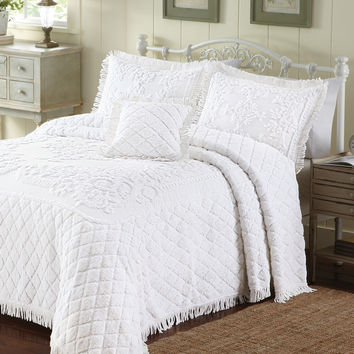 King Size White Cotton Chenille Bedspread in Retro Vintage Style with Fringe Edge