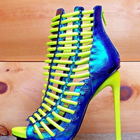 """Luichiny Crunch Time Neon Yellow Iridescent Blue Ankle Boots - 5"""" Stiletto Heel Shoes"""