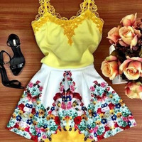 ON SALE LACE YELLOW SKIRT CONDOLE BELT SPLICING FLOWER PETALS IN EUROPE AND THE DRESS SLEEVELESS SKIRT
